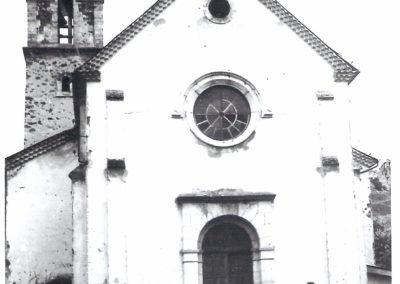 Photographie milieu 20e siècle -Place de l'église -